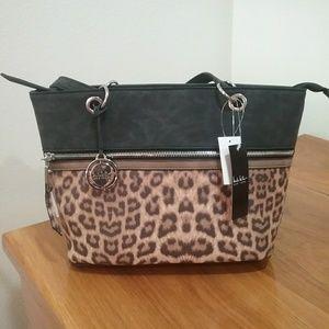 BNWT chic cheetah purse!